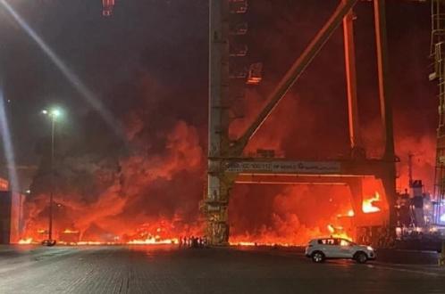 Взрыв поднял ночное «солнце» над Дубаем