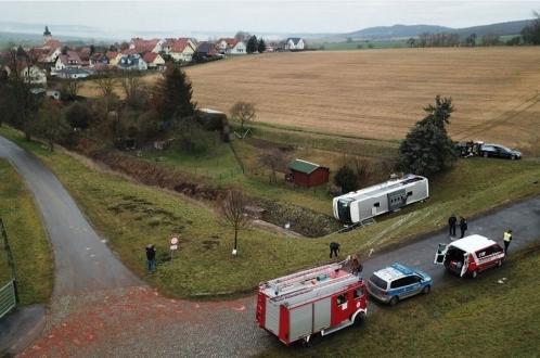 В Германии опрокинулся автобус с маленькими школьниками