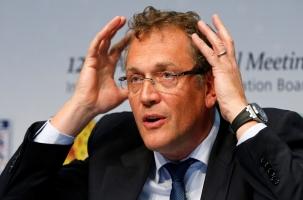 Генсека FIFA не обвинили, но отстранили