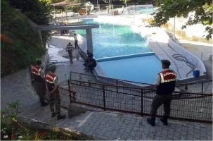 В бассейне от тока погибли пять человек