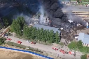 Пожарным досталось 2 300 кв метров огня