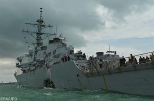 Ракетный эсминец США столкнулся с танкером