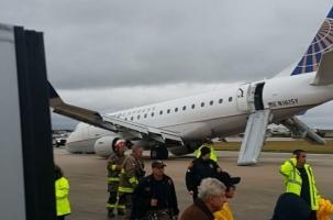Экстремальная посадка E-175 в Техасе