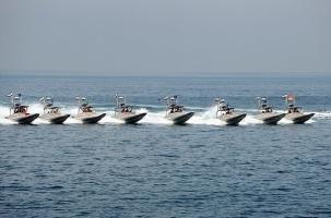 Иран задержал два военных катера США
