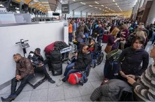 Паралич самого загруженного аэропорта в мире