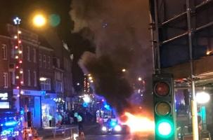 В Большом Лондоне на рождественской ярмарке взорвалась машина