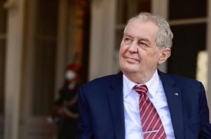 Президент Чехии лег в военный госпиталь