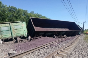 Масштабный сход грузового состава в Тульской области