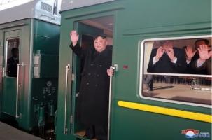 Бронепоезд лидера КНДР двинулся в Ханой