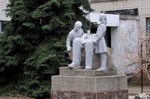 Вместе с памятниками Ленину рухнула и украинская государственность