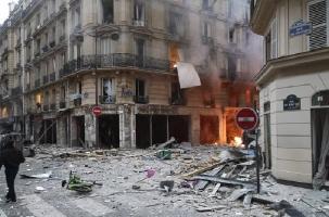 Мощный взрыв в Париже