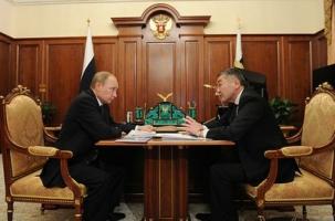 Главы Калмыкии и Мурманской области ушли, чтобы сразу вернуться