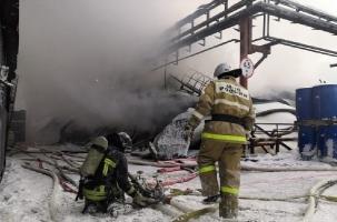 Пожар на химическом заводе в Уфе