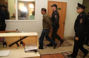 Водитель, сбивший семью, сдался полиции